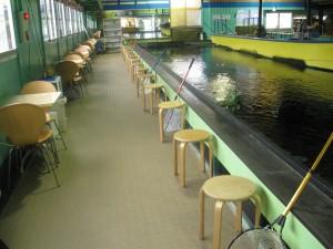 室内釣り堀施設